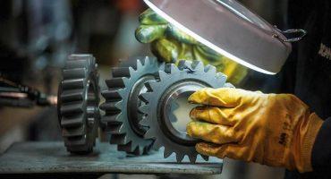 Grave: en los últimos tres años se destruyeron 137 mil empleos industriales