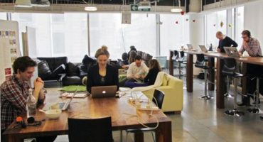 Economía del conocimiento: cuatro gigantes piensan en generar más empleo en la Argentina